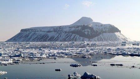 Подледниковые вулканы топят снизу ледники в Антарктиде