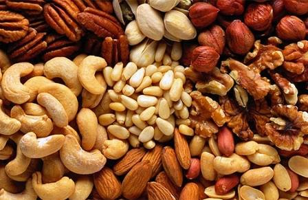 Орехи снижают  риск развития заболеваний сердца на 30%