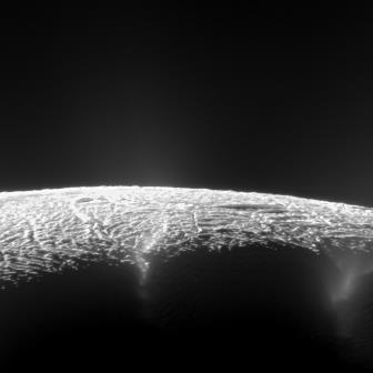 enceladus-geysers-cassini