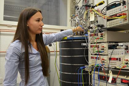 Один из авторов исследования в лаборатории