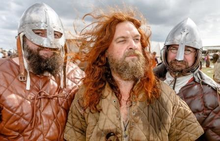 Историческая реконструкция сражения викингов