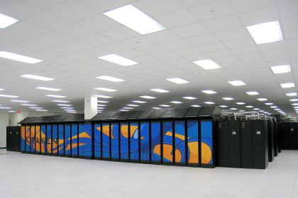 Суперкомпьютер Cray XT5 в Национальной лаборатории Ок-Ридж в США