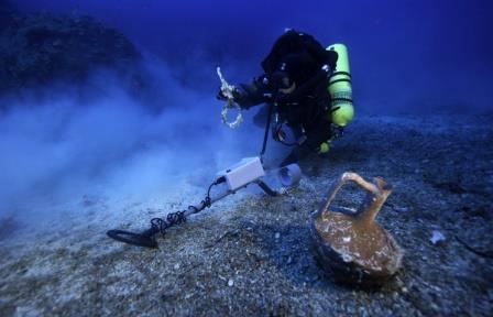 Греческие ученые исследуют корабль XVI века