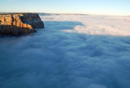 Так инверсионная облачность в Гранд-Каньоне выглядела в декабре 2013 года