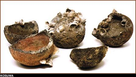 Китайские бомбы, найденные археологами на месте кораблекрушения
