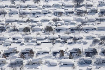 Снегопад, обрушившийся на северо-восток США 17-21 ноября, привел к смерти 8 человек и сугробам высотой в 1,5 метра