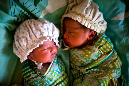 у индийского интерсексуала родилась двойня