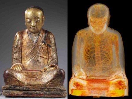 Внутри статуи Будды найдено тело человека