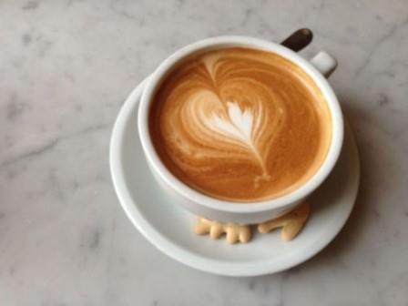 Кальция в сосудах меньше у тех, кто пьет кофе ежедневно