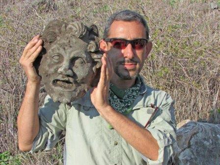 Майкл Айзенберг с маской Пана