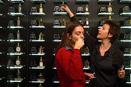 Прочность моногамных браков объяснили утратой чувствительности к запахам