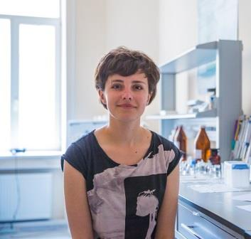 2) Мария Мухина, первый автор статьи и научный сотрудник лаборатории _Оптика квантовых наноструктур_ Университета ИТМО