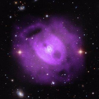Композитная фотография галактики NGC 5813 в оптическом и рентгеновском диапазонах