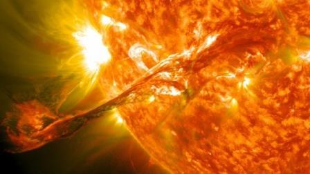 Магнитное поле Солнца защитило Землю от корональных выбросов