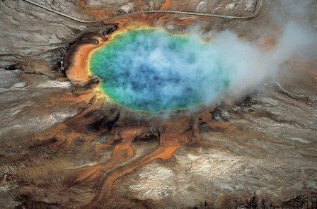 Большой призматический источник в жерле Йеллоустонского супервулкана