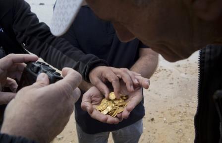 Золотые монеты стоимостью $4,5 млн найдены на дне океана у побережья Флориды