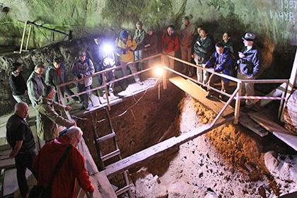 Центральный зал Денисовой пещеры