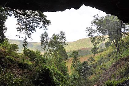 Вход в пещеру Мота