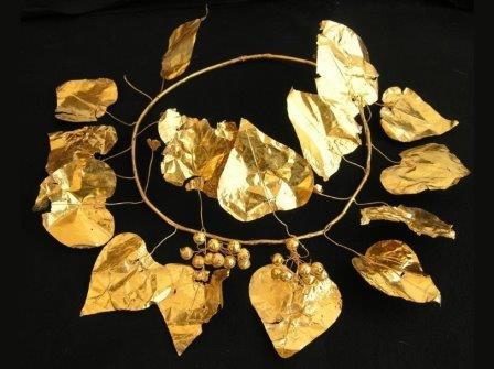 В гробнице на Кипре найден золотой венок