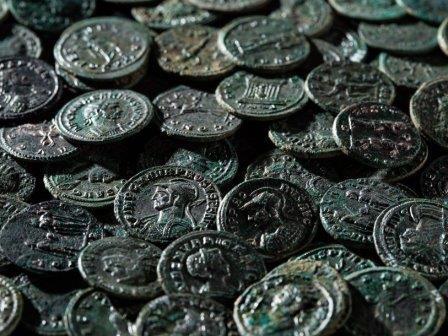 Швейцарский фермер нашел клад с римскими монетами
