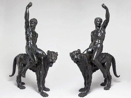 Бронзовые всадники на пантерах
