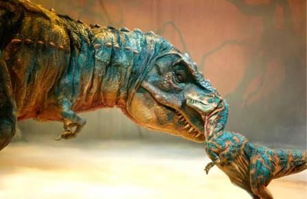 Нашли беременного тираннозавра