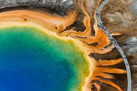 Большой призматический источник характерен условиями, похожими на существовавшие при зарождении жизни