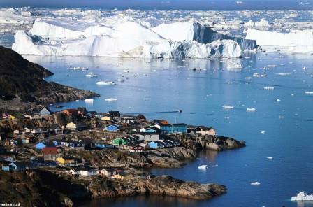 Ученые объяснили аномальное таяние ледников Гренландии