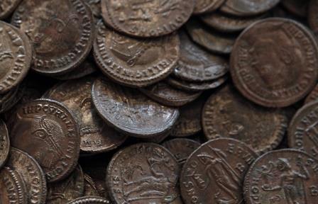 В Испании обнаружили 600 кг римских бронзовых монет IV века