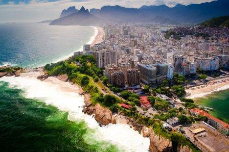 """Ученые обнаружили опасную """"супербактерию"""" на олимпийском побережье Рио"""