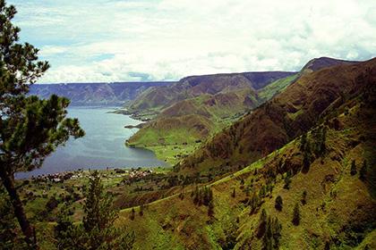 Район вулкана Тоба и одноименное озеро