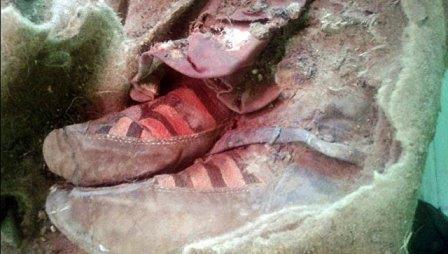 """В горах Алтая нашли 1500-летнюю мумию в """"кроссовках"""""""