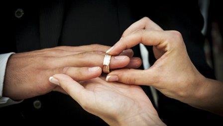 Ученые выяснили, как брак влияет на здоровье мужчин