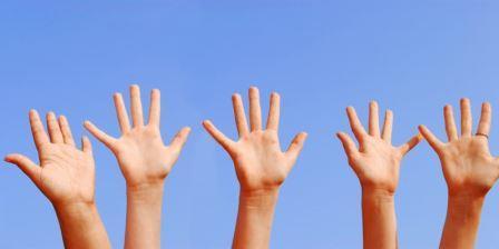 Объяснено появление рук с пятью пальцами