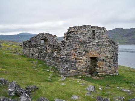 Остатки церкви XII века в Хвальсё, на юге Гренландии