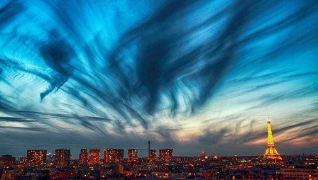 Ночное небо Парижа