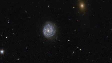 Галактика RX J1140.1+0307 в созвездии Девы