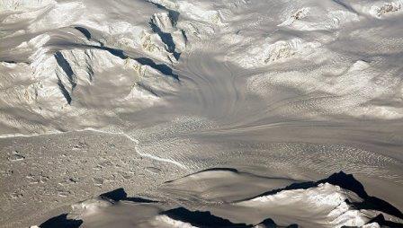 Ледник в Западной Антарктике, под которым скрывается гигантская трещина