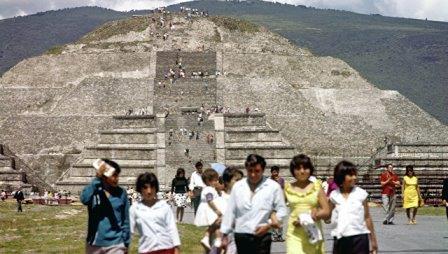 Пирамида Луны. Древний город ацтеков Теотиуакан
