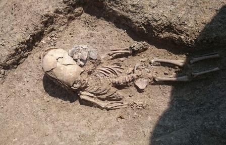 Археологи обнаружили в Крыму захоронение младенца II века с деформированным черепом