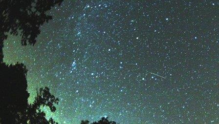 Звездный поток Персеиды. Архивное фото