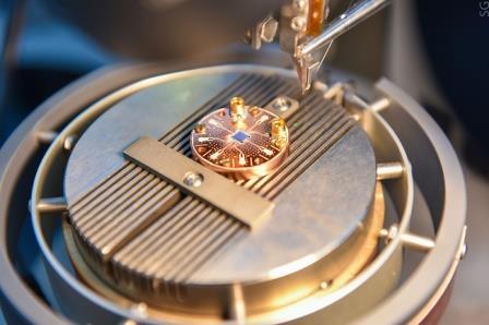 усилитель сигнала для квантовых компьютеров