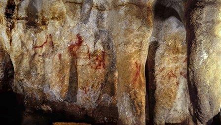 Рисунки неандертальцев из пещеры Ла-Пасьега в Испании