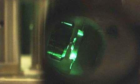 Исследователи экспериментально протестировали дифференциальную теорию флуктуации с использованием оптически левитируемой наносферы, которая может захватываться в воздухе непрерывно в течение 65 недель, получая большие наборы данных © Tongcang Li