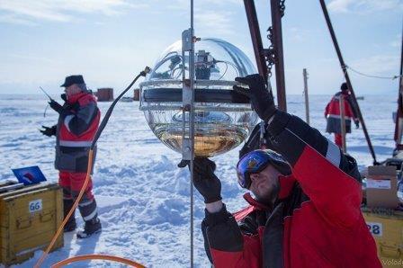 Ученые развернули на Байкале третий кластер нейтринного телескопа Baikal-GVD. 16 мая 2018 © НИИ прикладной физики ИГУ