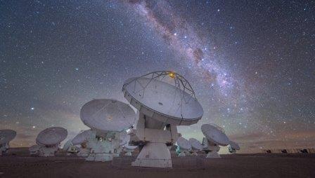 Млечный путь  © ESO/Y. Beletsky