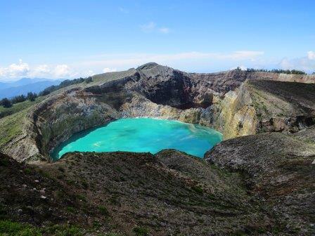 Кратерные озера вулкана Келимуту в Индонезии © CC BY 2.0/Donny Leonardi/Kelimutu Lake