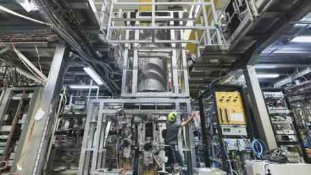 Эксперимент ALPHA-g  ©CERN