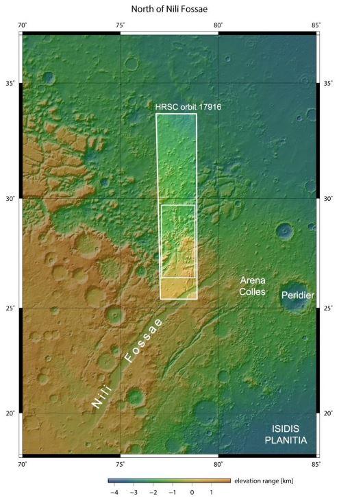 Nili Fossae на границе двух районов (север – верхняя сторона) ©ESA
